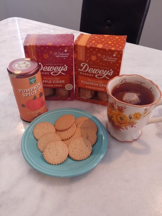 FreshMarketPumpkinSpiceTeaDisplay&Cookies
